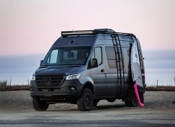 Outside_Van_Mercedes-Benz_Sprinter_144_Strata_MOBILE.jpg
